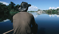 A fisherman goes out in search of Piranha on Lake Iranduba, in the Amazon region of Brazil. - Photo: World Bank/Flickr